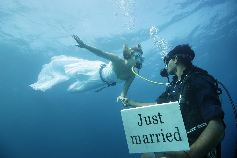 Scuba diver wedding